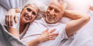 senior-couple-4723737_1920